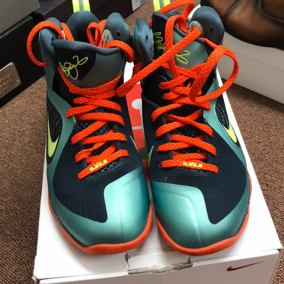 sports shoes fc306 88e2b Lebron 9 Cannons size 10 mens sneakers